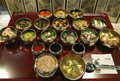 Накормить Сеул