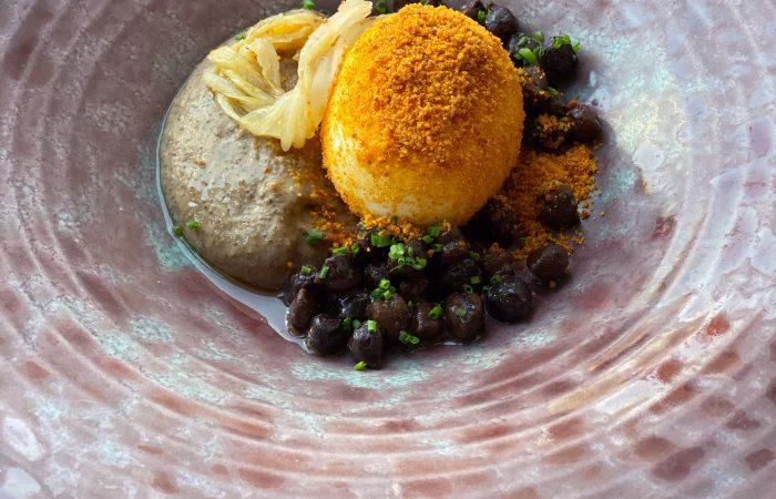 Ovos selvagens com Nduja em pó e grão-de-bico negro – uma receita da Aliança dos Cozinheiros Itália